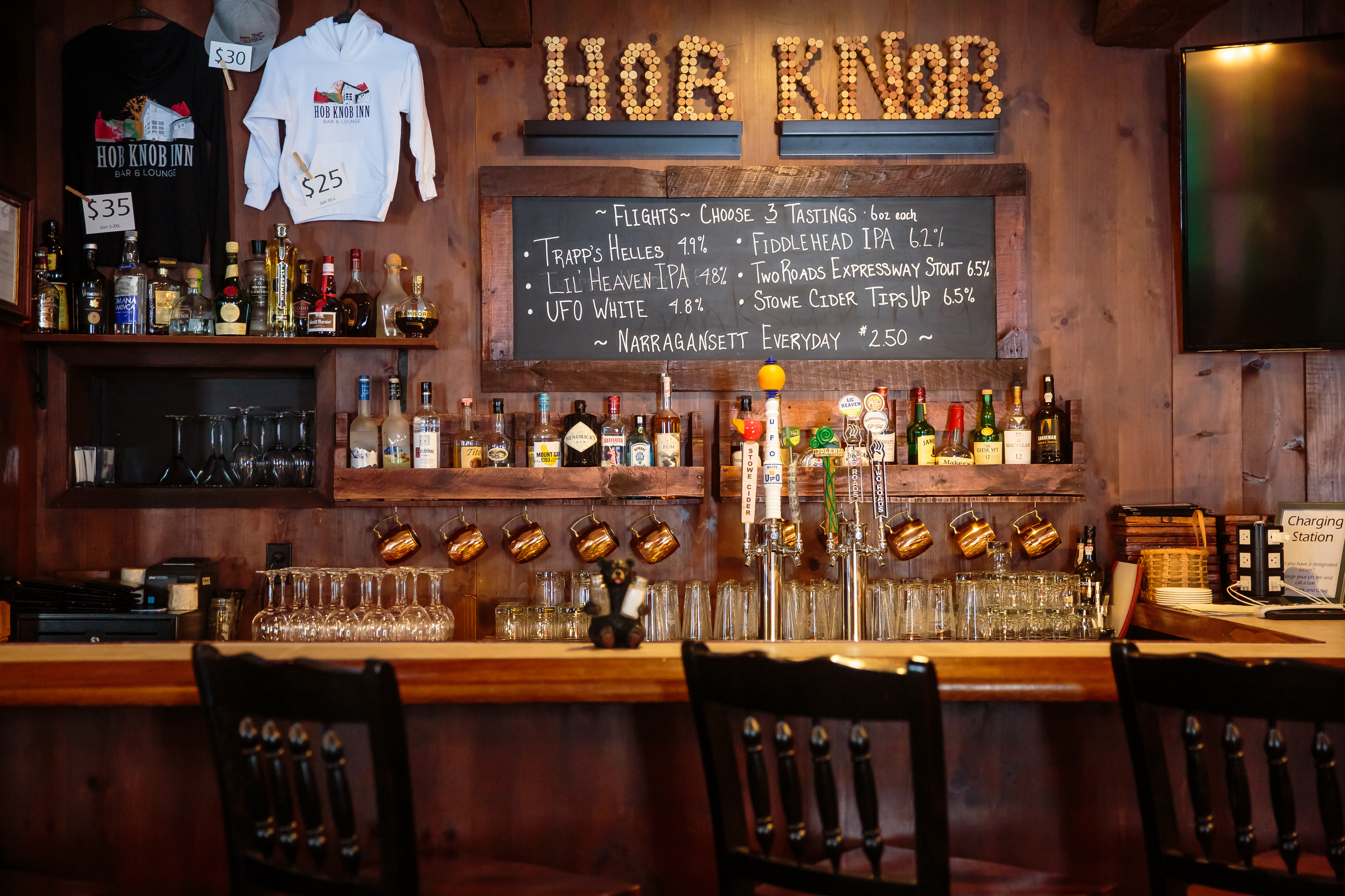 Hob Inn S Bar Lounge Is Open From 5pm 9pm Thursday Friday And Saay Offering A Private Cozy E For The Whole Family To Enjoy